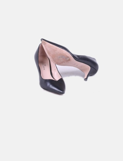 Zapato negro de tacon