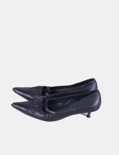 Zapato negro de punta Natalia Blanco