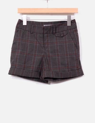 Shorts marrones cuadros Bershka