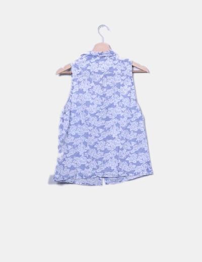 Camisa fluida floral sin mangas