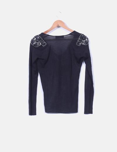 Sueter tricot negro con pedreria