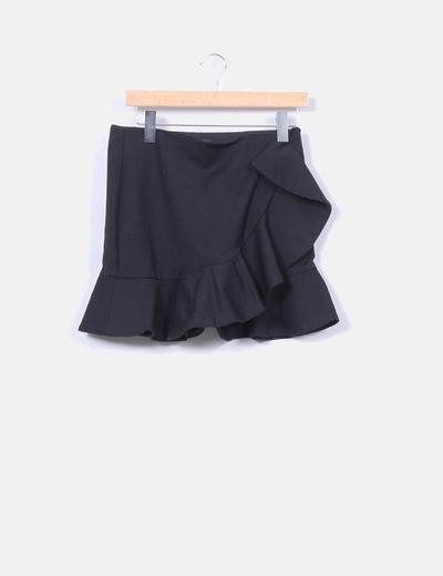 Zara Falda mini negra con volante (descuento 69%) - Micolet 88840f7387a3