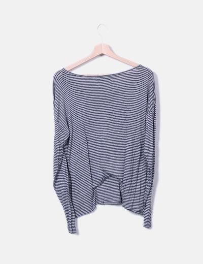 Camiseta fluida gris de rayas