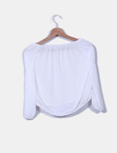Blusa blanca hombro descubierto