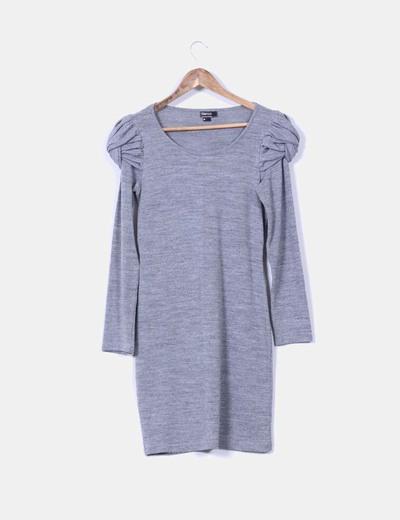 Vestido gris hombros abullonados Suiteblanco