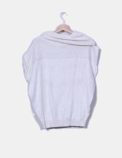 Jersey crudo oversize cuello vuelto y manga corta