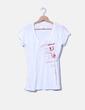 Camiseta blanca con letras rojas H&M