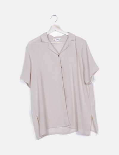 Camisa rosa abotonada