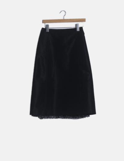 Falda midi negra detalles lenceros
