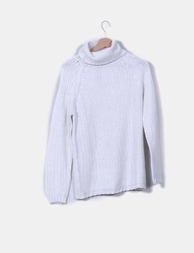 Jersey blanco de cuello vuelto Pull&Bear