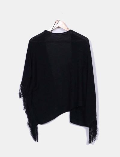 Kimono negro asimetrico con flecos