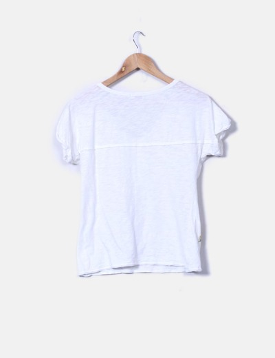 Camiseta cruda escote pico