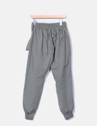 Pantalon fluido verde con cinturon