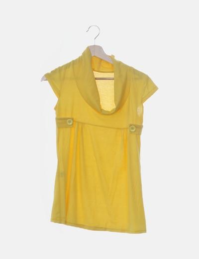 Camiseta amarilla cuello vuelto barco
