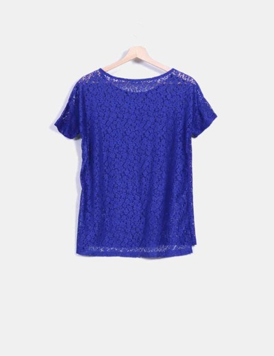 Camiseta azul klein de encaje