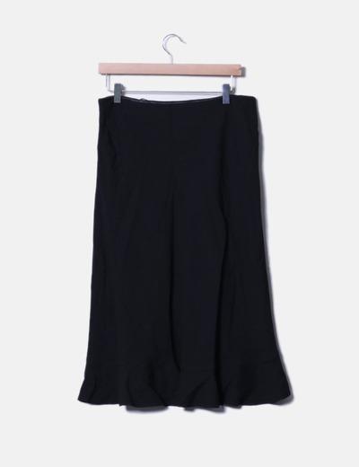Falda negra con volantes