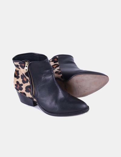 Botin combinado negro con estampado de leopardo