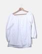 Blusa blanca con cuello barco Uterqüe