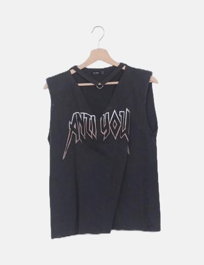 Camiseta choker efecto desgastado