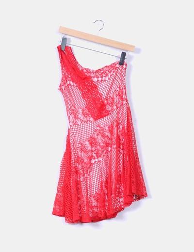 Vestido rojo asimetrico de encaje