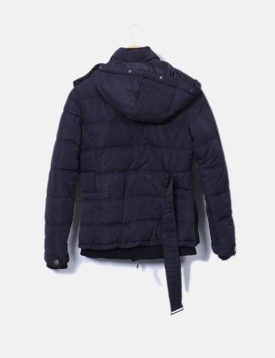 Anorak acolchado negro con capucha