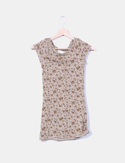 Camiseta marrón floreada Zara