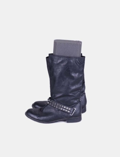 Botas negras con tachas Zara