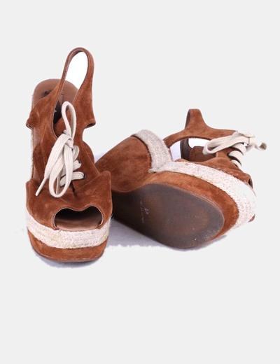 Sandalias serraje cuna marron con cordones