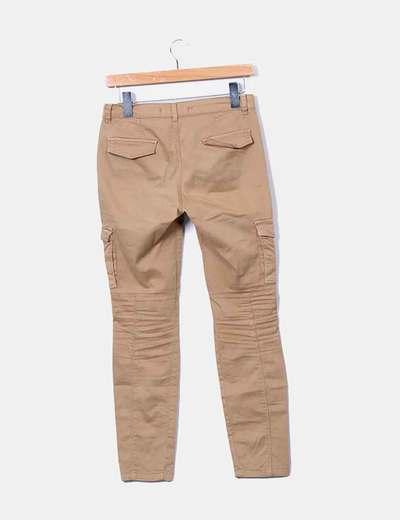 zapatos deportivos 1be10 d7065 Pantalón beige bolsillos