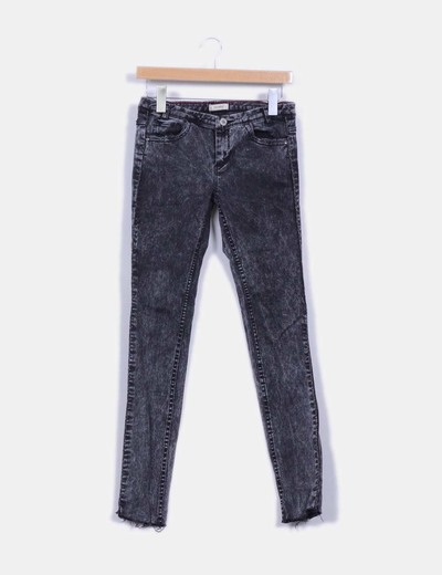 Pantalón denim negro con hilo metalizado  Pull&Bear