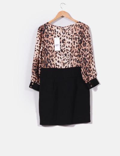 ded4fb0cf Vestido falda negra con blusa animal print