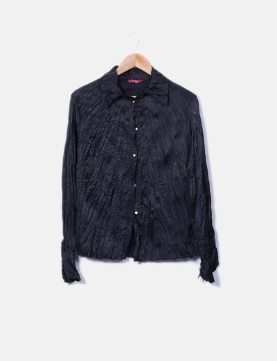 Camisa negra plisada con botones NoName