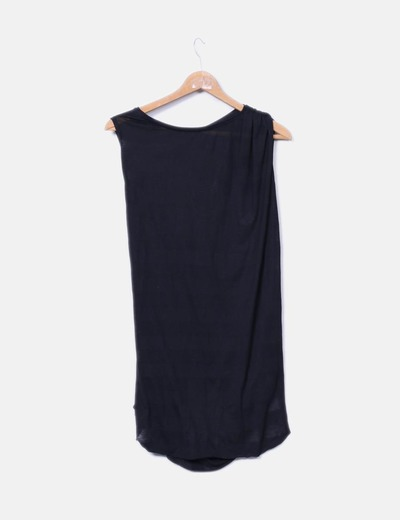 Blusa negra drapeada manga sisa