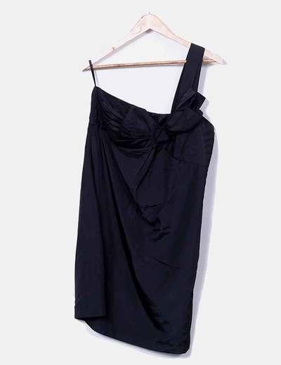 Robe noire de satin asymétrique serré VILA