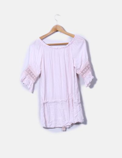 Blusa rosa detalle crochet