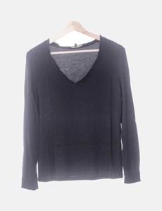 322d539b72 Blusa negra cuello pico Maje
