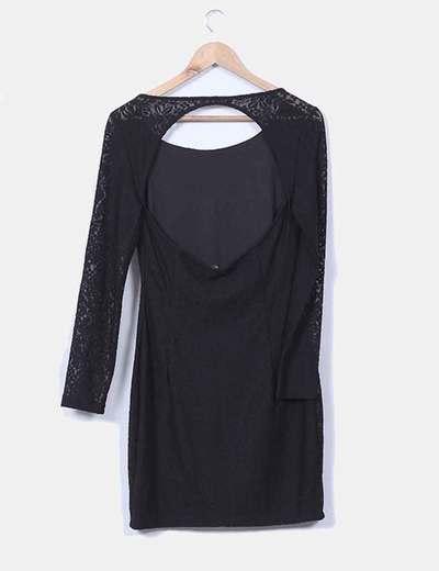 Vestido negro de encaje