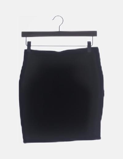 Falda ceñida negra