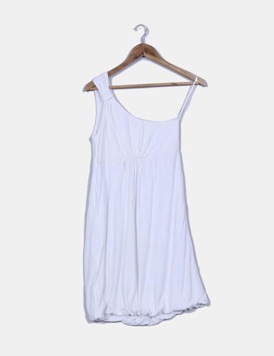 Vestido blanco con escote asimétrico Sfera