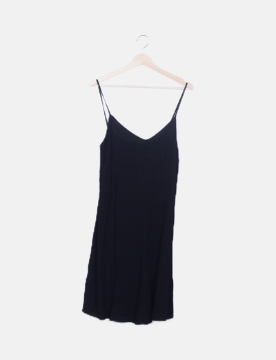 Vestido fluido negro detalle botones