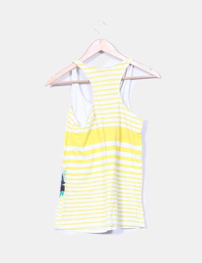 Camiseta a rayas amarillas con dibujio