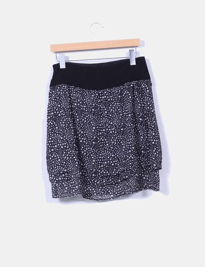 Falda negra print estrellas