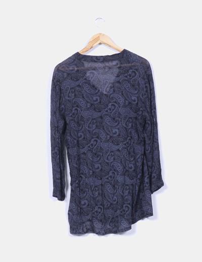 Blusa negra semitransparente estampado cachemir