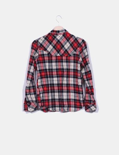 Camisa de cuadros tonos rojo y gris