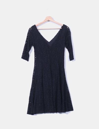 Vestido midi de encaje negro