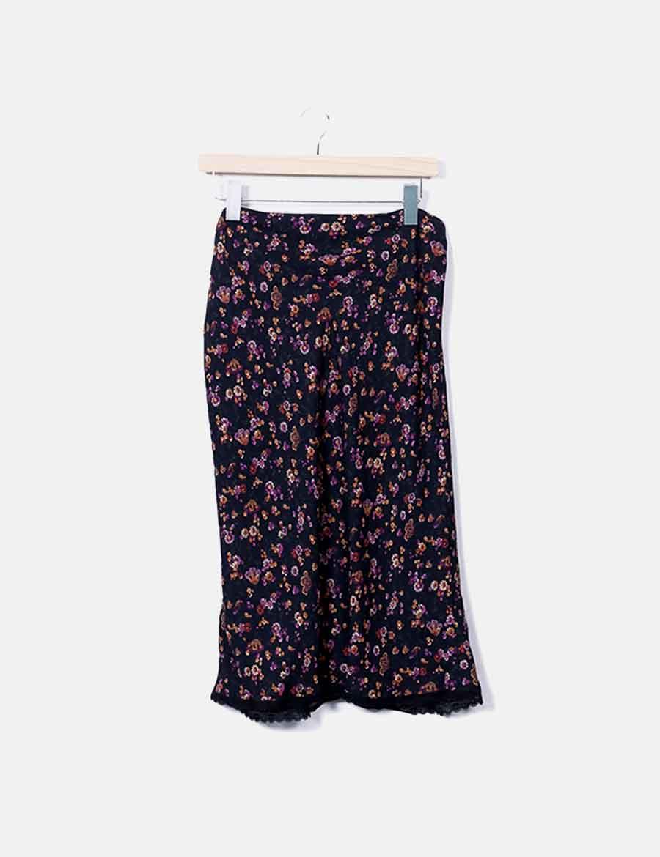 8349e7be0 Falda negra Zara baratas midi Faldas online floral estampado ...