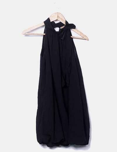 Vestido midi negro con lazo