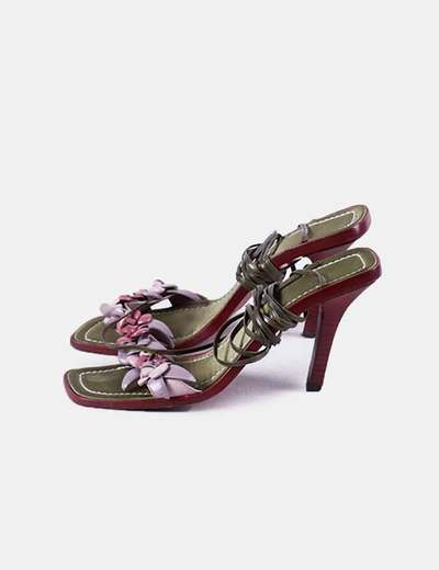 Sandalia de tacón floral punta cuadrada