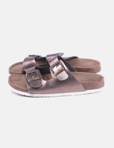 Sandalia bronce de hebillas