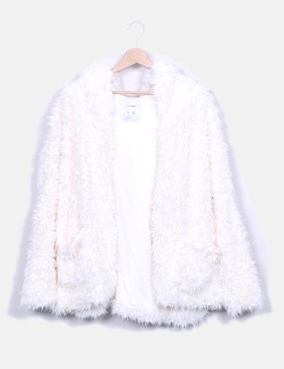 Abrigo pelo blanco Pull&Bear